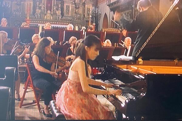 トルン交響楽団と共演